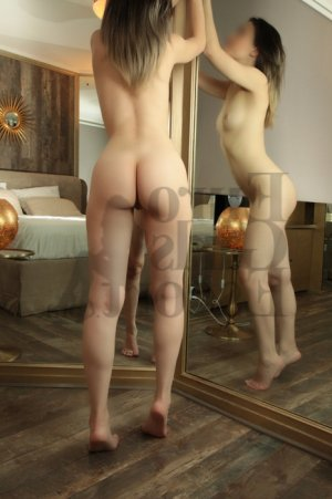 May-leen escort girl in Martinsville