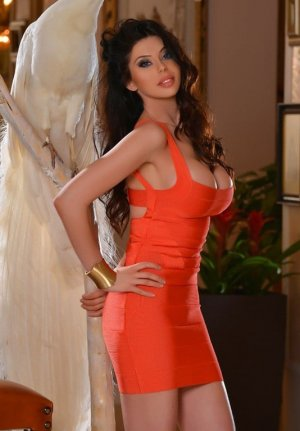 Maria-isabel independent escort